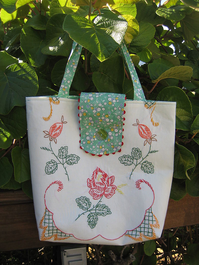 Table runner tote