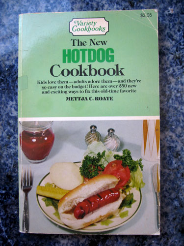 Hot-dog-cookbook_7821